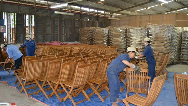 Demand for FSC-certified furniture offers a profitable future for timber growers in Vietnam (© WWF)